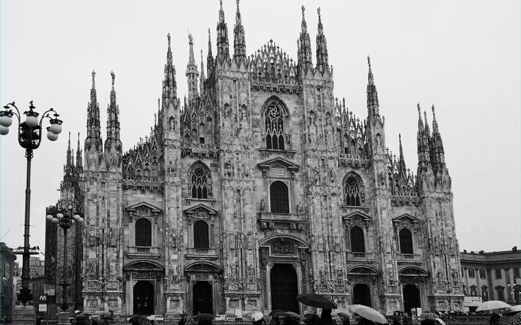 Milano: giornata di anniversario e tanta (troppa) pioggia!